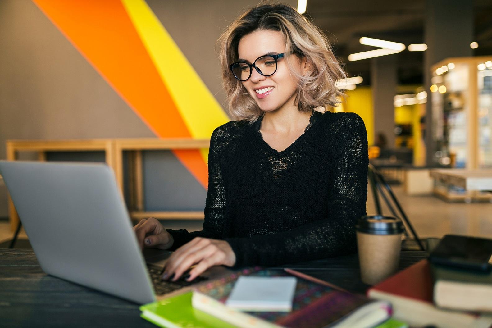 Capacitação e colaboração: cursos online e gratuitos Grupo Fácil